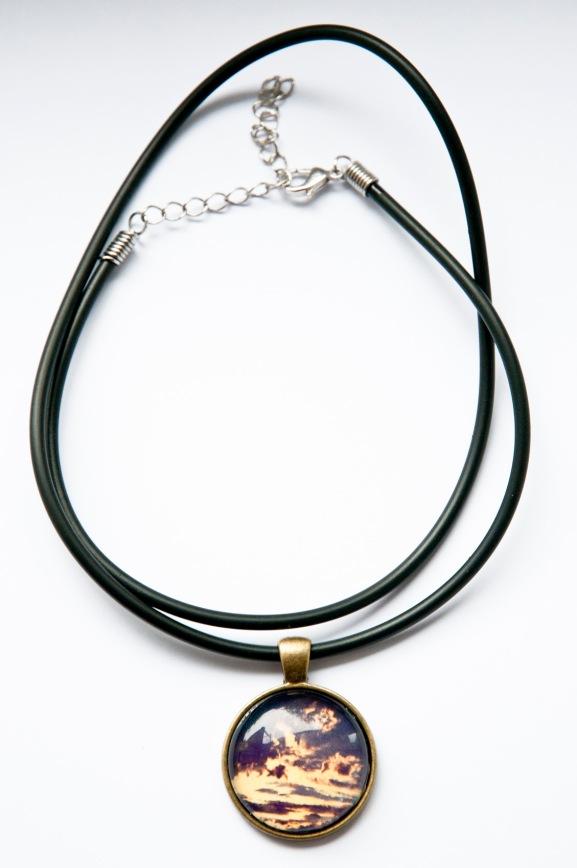 "Foto-Kette ""Nachtblau"" Preis: 25 € zzgl. Versand Cabochon-Durchmesser: 25 mm"